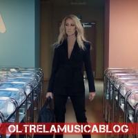 """Céline Dion si dà alla propaganda gender: lancia nuova moda per bambini """"senza genere"""""""
